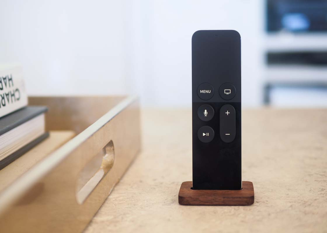 AppleTV SiriRemoteStand 01