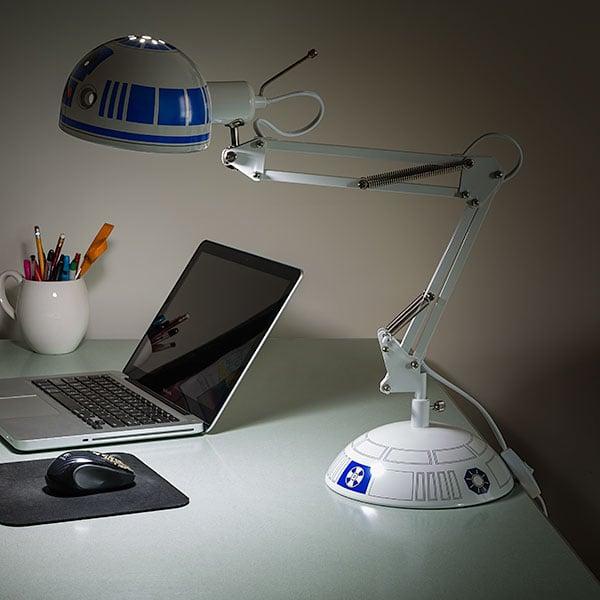 R2 D2 DeskLamp 01