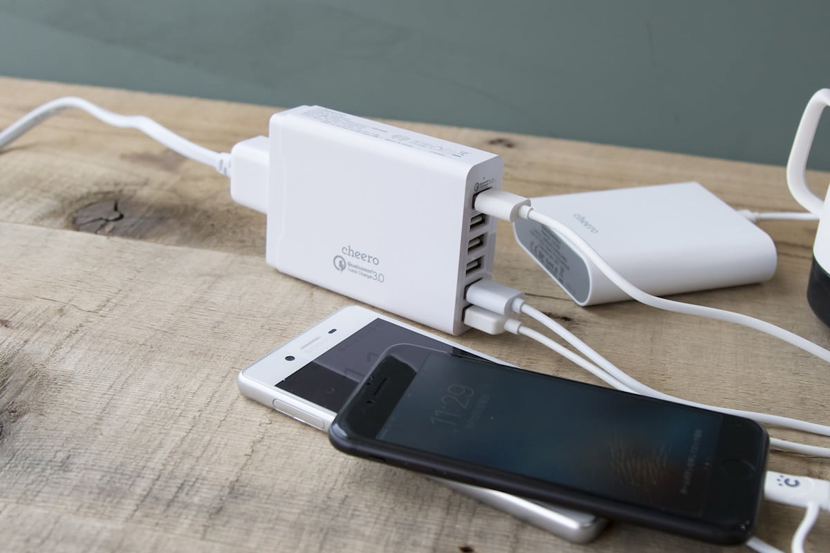 Cheero 6usbcharger 01