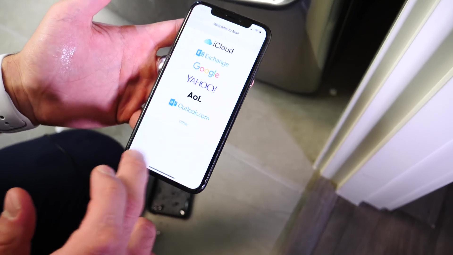 IPhoneX DropWaterBentTest 10