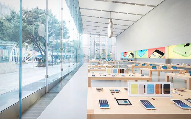 AppleStore Hatsuuri2018 02