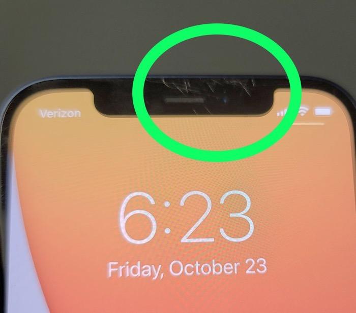 IPhone12 DisplayScratch 02